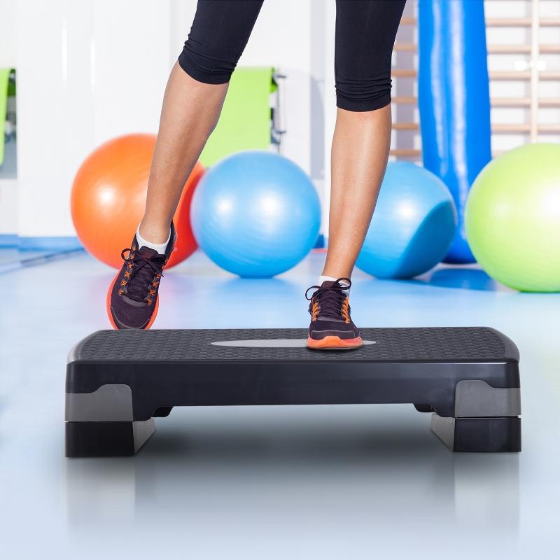 HOMCOM Step Gimnasia tipo Tabla Plataforma Stepper para Deporte y Gimnasia con Altura Regulable a 2 Niveles Carga 150kg Negro y gris