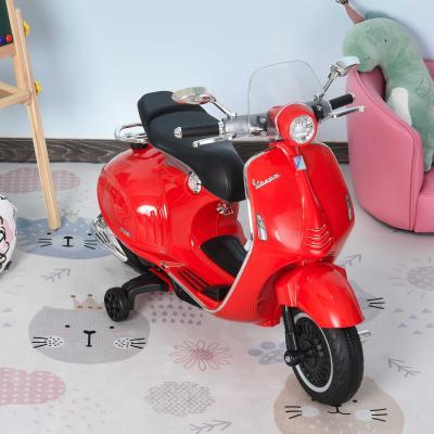HomCom® Moto Eléctrica Vespa Faros Música 2 Ruedas Auxiliares para Niños Mayores de 3 Años Motocicleta Infantil Autorizada 108x49x75 cm Rojo